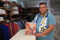 Fenerbahçeliler'den Galatasaraylı Taraftara Destek