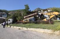 KOCAHASANLı - Freni Boşalan Tır, Faciaya Yol Açıyordu