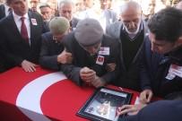 Hakkari'de Şehit Düşen Asker Son Yolculuğuna Uğurlandı
