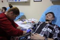 Üniversitelilerden Kan Bağışı