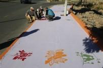 SEYRANI - Yaya Yollarında Peyzaj Çalışmaları