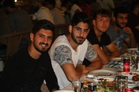 ADANA DEMIRSPOR - Adana Demirspor'a Galibiyet Yemeği