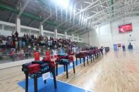 FEDERASYON BAŞKANI - Amatör Kulüplerine Malzeme Yardımı