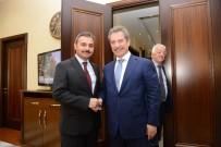 KAMU GÖREVLİSİ - Çalık Holding Yönetim Kurulu Başkanı Ahmet Çalık;