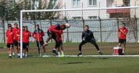 MANISASPOR TEKNIK DIREKTÖRÜ - Fatih Tekke Açıklaması 'Yetenekli Oyuncularımız Var'