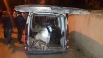 HAYVAN - Jandarmanın Şüphesi Hırsızları Ve Uyuşturucu Tacirini Yakalattı