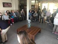KıZıLAY - Lise Öğrencileri Yaşlıları Ziyaret Etti