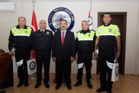 POLİS MERKEZİ - Rüşvet Kabul Etmeyen Polisler Ödüllendirildi