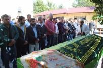 MıSıR - Sakarya'da Trafik Kazasında Ölen 3 Kişi Son Yolculuğuna Uğurlandı