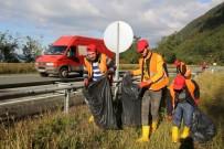 SARP SINIR KAPISI - Sarp Sınır Kapısı'na Giden Yol Çöpten Temizlendi