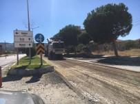 KARAYOLLARı GENEL MÜDÜRLÜĞÜ - Selendi'de Yollarında Sıcak Asfalt Çalışması