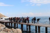 Üniversite Öğrencileri 'Mavi Tur Ve Akdamar Adası' Gezisi