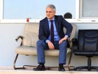 MANISASPOR TEKNIK DIREKTÖRÜ - Antrenmanı Başkan Mergen De İzledi