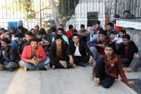 RODOS ADASI - Arızalanarak Denizde Sürüklenen Teknedeki 71 Kaçak Göçmen Kurtarıldı