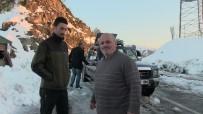 KAR YAĞıŞı - Artvin'de Kar Yağışı Hayatı Olumsuz Yönde Etkiledi