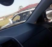 AMATÖR - Ayakları Dışarıda Otomobil Kullanan Sürücü Şaşkına Çevirdi