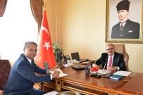 VATANDAŞLıK - Başkan Uysal'dan Vali Karaloğlu'na İmzalı Kitap