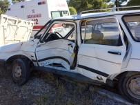 CEYHAN - Denizli'de İki Otomobil Çarpıştı Açıklaması 4 Yaralı