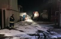 MEHMET YÜZER - Fabrikada Asit Tankı Devrildi Açıklaması 9 Yaralı