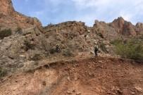 KARAKAYA - Gümüşhane'nin Köy Yollarındaki Tehlikeler Bertaraf Ediliyor