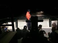 SÜRAT TEKNESİ - Yunanistan'a Kaçmaya Çalışan 24 Göçmen Yakalandı
