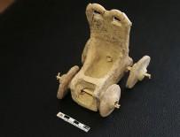 ÇOCUK OYUNCAĞI - 5 bin yıllık oyuncak at arabası bulundu
