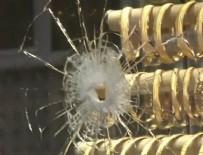 SİLAHLI SOYGUN - Beyoğlu'nda silahlı soygun girişimi! Çatışma çıktı