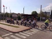 MEHMET BOZDEMİR - İzmit Belediyesi'nin Bisiklet Eğitimi Başladı