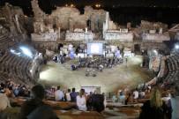 HABABAM SıNıFı - Side Antik Tiyatrosu'nda müzik dinletisi