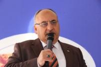 SUAT DERVIŞOĞLU - Ümraniye'de Vatandaşlara Dualarla Aşure Dağıtıldı