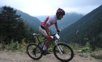 Uzungöl'de Düzenlenen Ulusal Dağ Ve Yol Bisikleti Şampiyonası Nefes Kesti