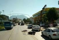 YAKIT TANKERİ - Yakıt Tankeri İle Elektrikli Motosiklet Çarpıştı Açıklaması 1 Ölü