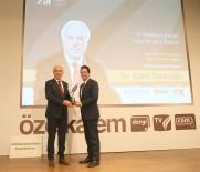 SİYASAL BİLGİLER FAKÜLTESİ - Başkan Kamil Saraçoğlu'na 'Yılın Belediye Başkanı' Ödülü