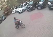 ADANA EMNİYET MÜDÜRLÜĞÜ - Bisiklet Hırsızı Polisten Kaçamadı