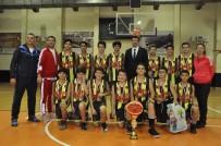 BASKETBOL TAKIMI - Cumhuriyet Kupasının Şampiyonu Gaziantep Kolej Vakfı