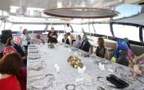 İSTANBUL BOĞAZI - Emine Erdoğan, D-8 Zirvesi'ne Katılan Liderlerin Eşlerini Teknede Ağırladı
