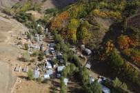 AFET BÖLGESİ - Köy Taşındı, Onlar Kaldı