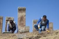 Selçuklu Mezarlığında İlk Kez Görülen Motifler Dikkat Çekti  Yazdir Bitlis 20 Ekim 2017 Cuma 15 Açıklaması10 Açıklaması27