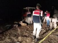 SADETTİN BİLGİÇ - Tarlada Traktörün Altında Kalan Şahıs Hayatını Kaybetti
