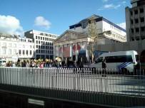 ABDULLAH ÖCALAN - Brüksel'de Terör Örgütü Elebaşı Öcalan İçin Eylem