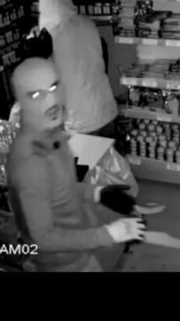 Büfeden Hırsızlık Güvenlik Kamerasında