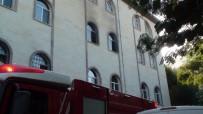 KAVAKLı - Camide Çıkan Yangın Paniğe Neden Oldu