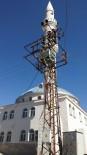ELEKTRİK DİREĞİ - Elektrik Direği Caminin Siluetini Bozuyor