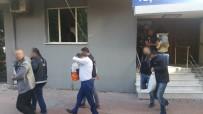 POLİS HELİKOPTERİ - İzmir'in en büyük uyuşturucu baronu ve annesi yakalandı
