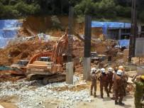 K9 - Malezya'da Toprak Kayması, 15 Kişi Toprak Altında