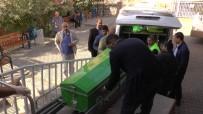 ADLİ TIP KURUMU - Otomobilin Çarptığı Motosikletli Sürücü Öldü