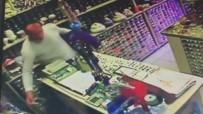 Müşteri Kılığında Geldiği Dükkanda Cep Telefonunu Çaldı
