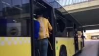 SPORDA ŞİDDET - Fenerbahçe taraftarı halk otobüsünün camlarını kırdı