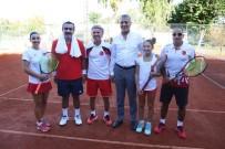 HÜSEYIN ÇAMAK - Mezitli'de Tenisçiler Dostluk Maçında Bir Araya Geldi
