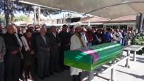 CAMİİ - Yurt Odasında Ölü Bulunan Üniversiteli Kız, Toprağa Verildi